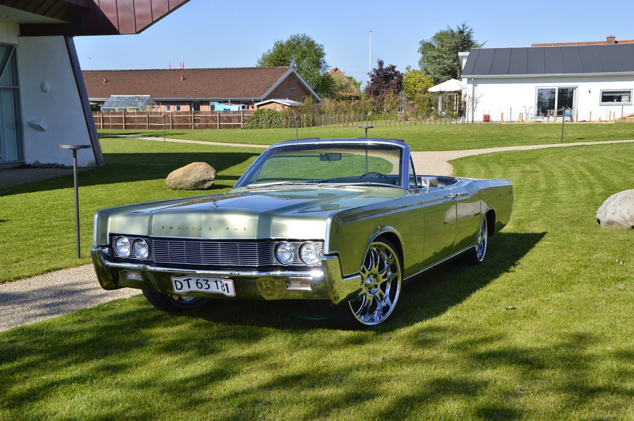 1967-lincoln-continental-cab-042